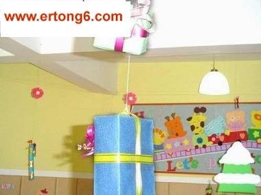 幼儿园小班环境布置-圣诞节吊饰