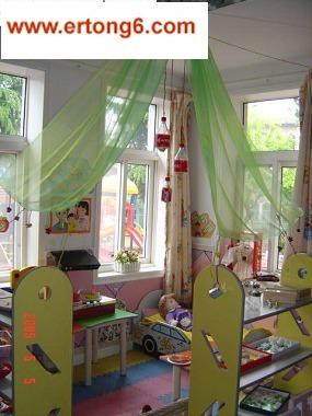 幼儿园区角娃娃家布置图片 幼儿园区角娃娃家布置