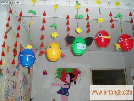 走廊吊饰:自制头型吊饰_幼儿园走廊环境布置_童秀网